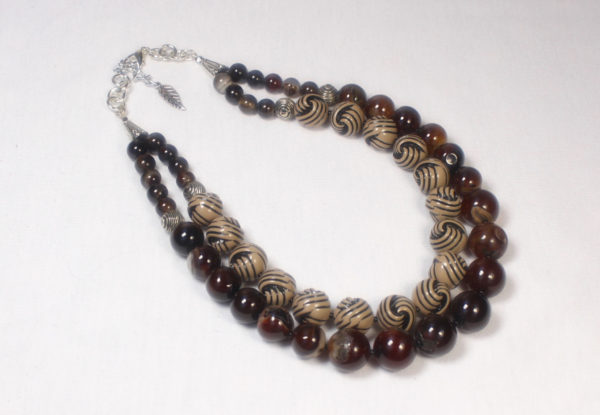 Necklace brown agate & taupe acrylic