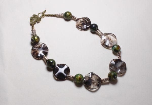 Necklace black quartz glass & green acrylic
