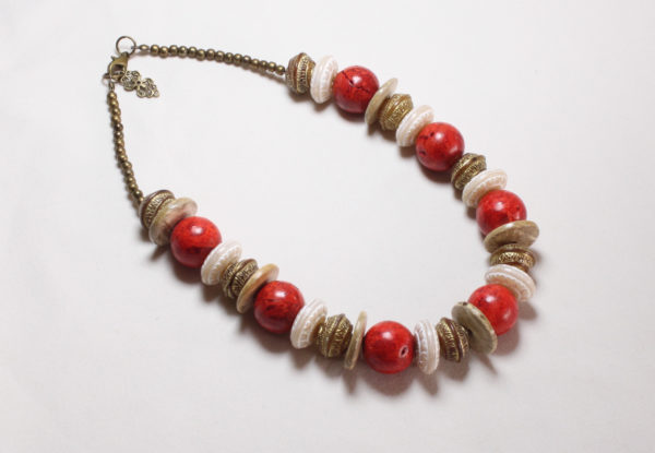 Necklace coral, decorative brass & beige acrylic