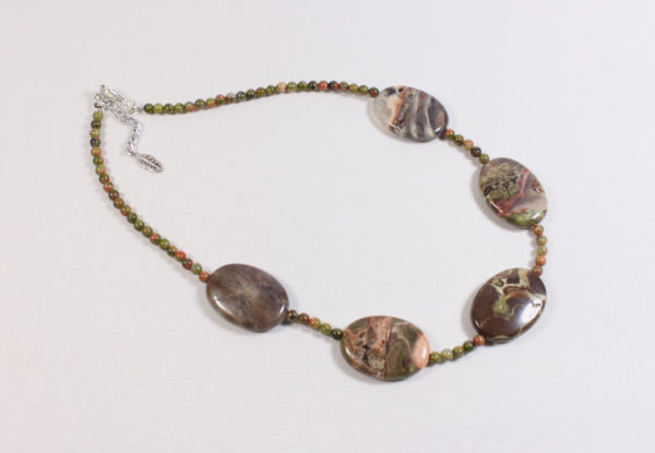 Necklace oval sierra agate & unakite