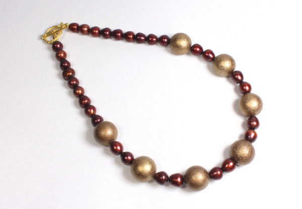 Necklace - Bronze wood & red pearls
