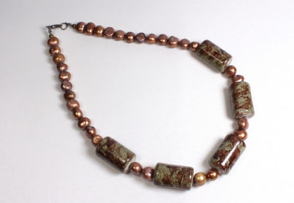 Necklace - acrylic & copper-colour pearls