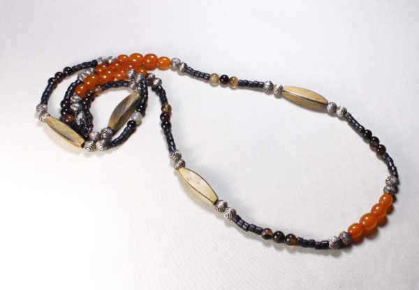 Long necklace amber horn & agate