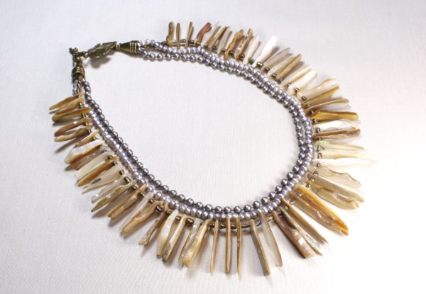 Necklace mother-of-pearl frangia + natural pearls