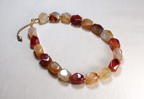 Necklace - faceted agate in red/orange/beige