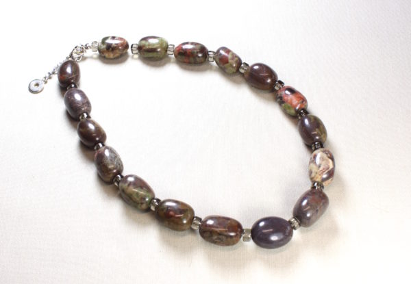 Necklace - oval sierra agate & clear grey glass