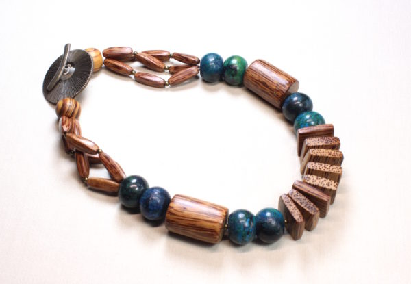 Necklace with turquoise & palmwood