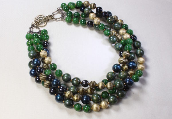 Multi-strand Necklace light/dark green & brass