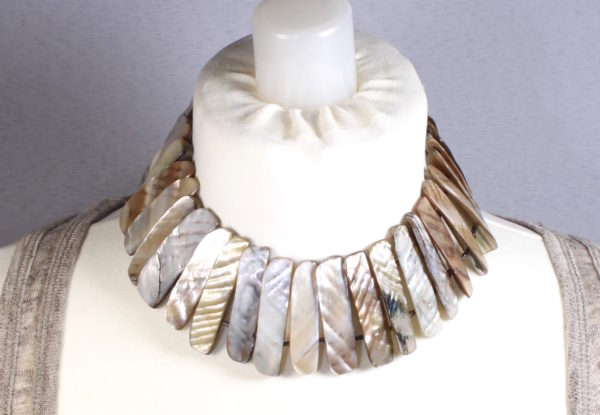 Necklace - mother-of-pearl choker