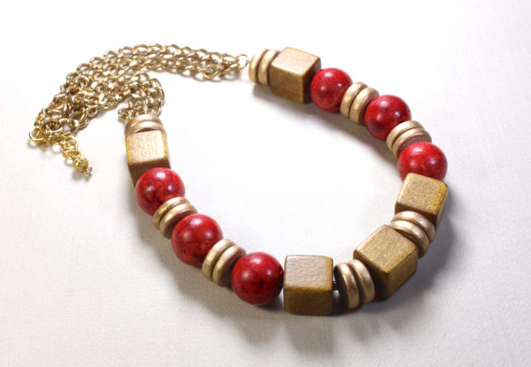 Necklace Red coral & golden brown wooden cubes