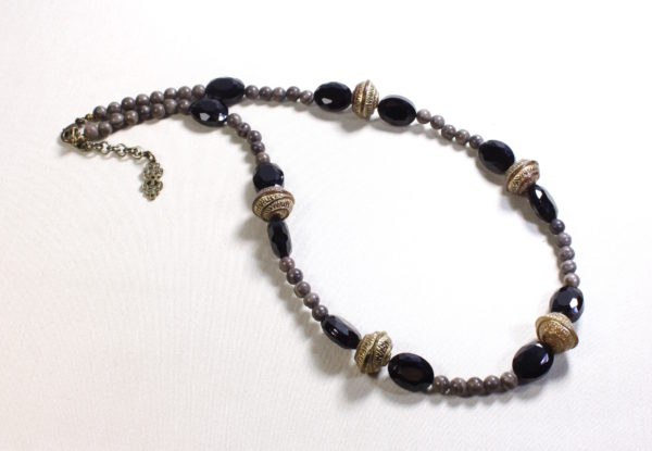 Necklace brass, faceted oval glass & grey marble