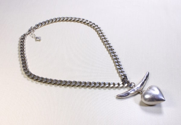 Pendant Necklace Silver bow/heart on chunky chain