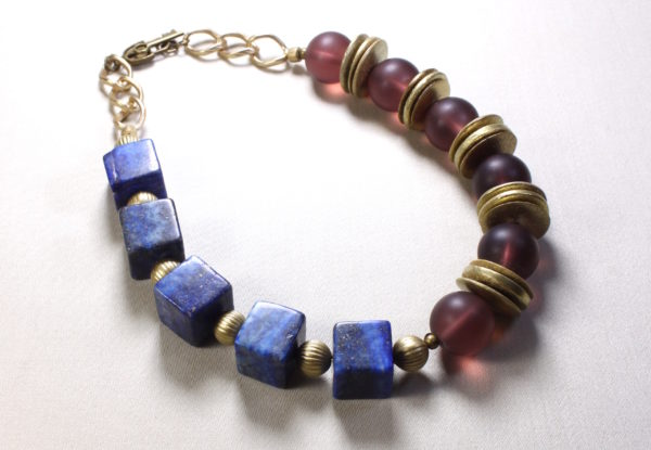 Necklace lapis lazuli, claret frosted Indian Glass