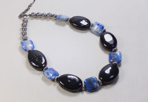 Necklace black oval porcelain & square lapis lazuli
