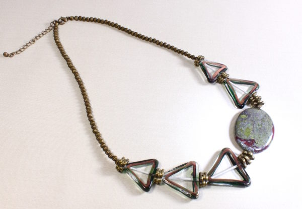 Necklace bloodstone & vintage triangular glass